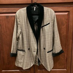 Oversized FP blazer w velvet collar sz M